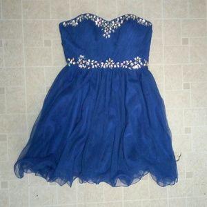 Blue chiffon deb brand Homecoming dress size 3/4!
